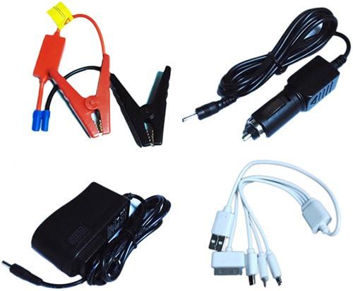 """Зарядное пусковое устройство """"JumpStarter A4"""" комплектуется зажимами-крокодилами, двумя адаптерми и кабелем с тремя переходниками для зарядки различных устройств"""