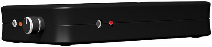 Индикатор процесса зарядки аккумулятора расположен сбоку, рядом с разъемом для подключения зарядного устройства