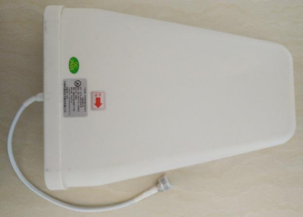 Наружная антенна монтируется на крыше или другом возвышении, где сигнал лучше, чем в помещении