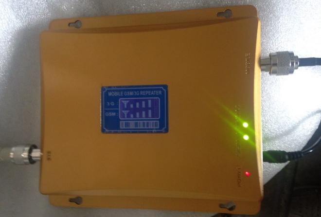 Прибор снабжен тремя световыми индикаторами