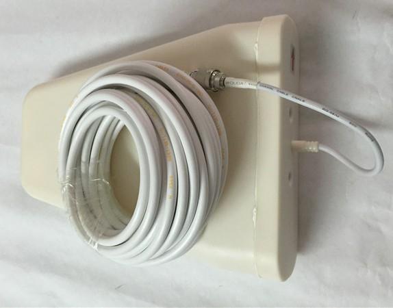 Внешняя антенна подключается к основному блоку репитера с помощью комплектного кабеля