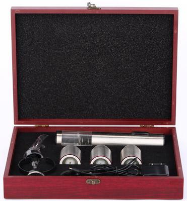 """""""E-Wine Deluxe"""" — красивый и полезный подарочный набор для сомелье и ценителей вина"""
