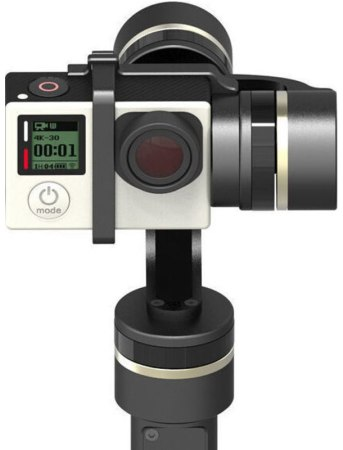 Камера фиксируется на стабилизаторе пластиковой скобой
