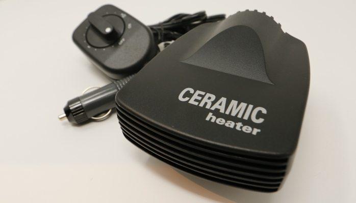 Прибор снабжен керамическим нагревательным элементом, о чем свидетельствует соответствующая надпись на его корпусе