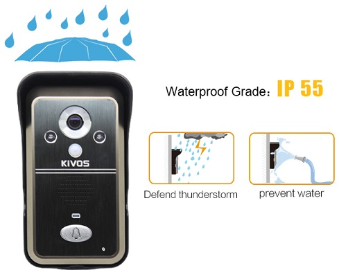 Повышенная защита от влаги позволяет видеодомофону сохранять работоспособность, даже если кто-то принципиально будет поливать его из шланга