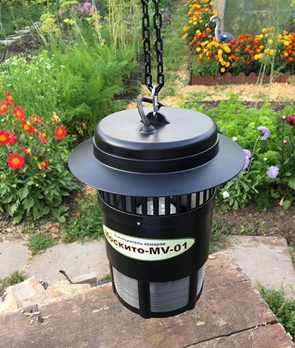 Вы можете повесить устройство в саду или беседке при помощи комплектной цепочки (нажмите на фото для увеличения)