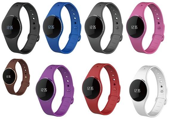 С каждым из 8 ремешков определенного цвета устройство смотрится по-разному (нажмите на фото для увеличения)
