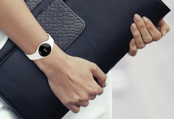 Смарт-часы MyKronoz ZeCircle могут следить за вашим физическим состоянием круглосуточно, чем бы вы ни занимались