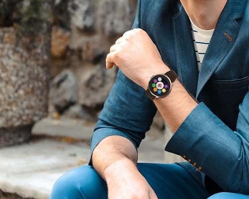 Швейцарские смарт-часы MyKronoz ZeRound Premium не только обладают массой полезных функций, но и великолепно смотрятся на руке (нажмите на фото для увеличения)