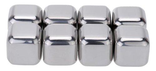В комплекте идет 8 кубиков