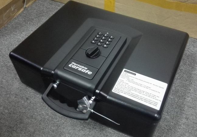 """Для удобства переноски в модели """"Ospon 928"""" предусмотрена специальная складывающаяся ручка"""