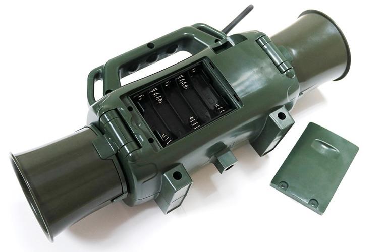 """Электронный манок  """"Охотник SH2"""" питается как от батареек, так и от внешнего источника 12-18 В"""