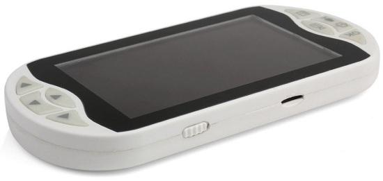 Центральный блок своими размерами и внешним видом немного напоминает современный смартфон — пользоваться им так же удобно (нажмите на фото для увеличения)