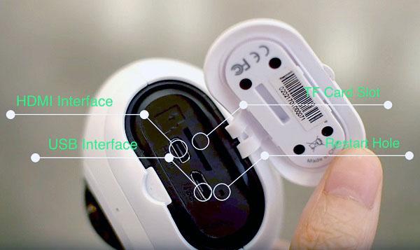 Дополнительные разъемы и слот для установки карты памяти располагаются в нижней части корпуса камеры за специальной защитной крышкой