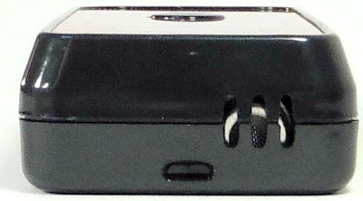 Продувать воздух при тестировании следует в эту решетку, за которой располагается полупроводниковый сенсор