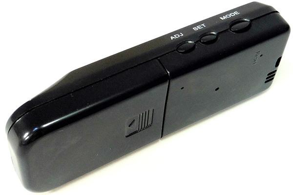 Расположение кнопок, используемых для настройки алкотестера, на его боковой панели