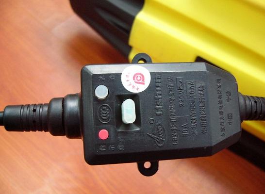Простой проводной пульт ДУ значительно упрощает работу с устройством и позволяет легко регулировать основные параметры распыления растворов