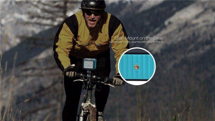 С такой колонкой вы сможете наслаждаться музыкой даже во время катания на велосипеде