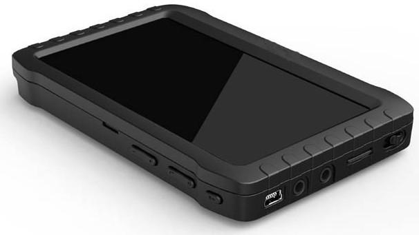 На одной из боковых сторон монитора вы найдете USB-порт для его подключения к компьютеру