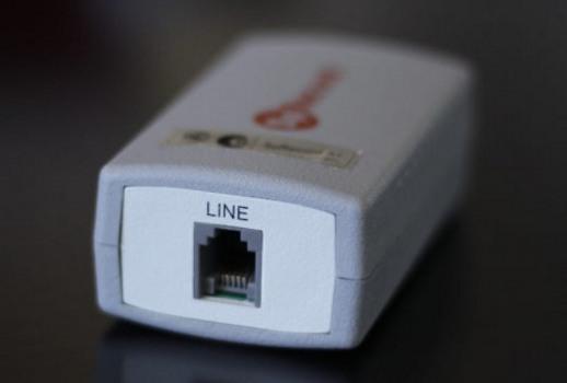 Адаптер SpRecord A1. Вид со стороны гнезда для подключения к телефонной линии
