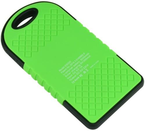 Благодаря особой текстуре задней панели портативное зарядное устройство не соскальзывает даже с идеальной гладкой поверхности в процессе эксплуатации