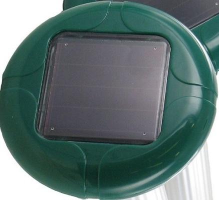 Достаточно мощная солнечная панель на каждом устройстве без проблем справляется с питанием всей электроники в автоматическом режиме