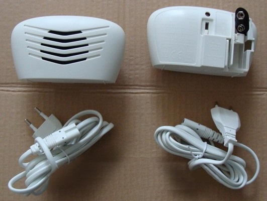 При необходимости вы можете отсоединить от устройства кабель для подключения к сети 220 В и установить в специальный отсек батарейку для автономного питания