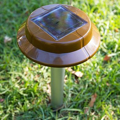 Отпугиватель змей с солнечной панелью Weitech WK2030 - Solar Snake Repeller