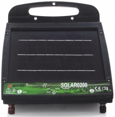 Получая энергию от солнца, прибор преобразует ее в электрические импульсы, отпугивающие животных от изгороди