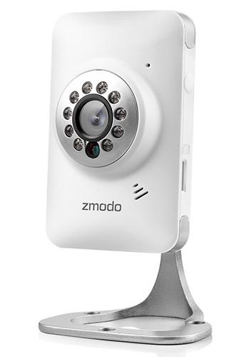 """IP-камера """"Zmodo IXС1D-WAC"""" оснащена удобной подставкой-кронштейном"""