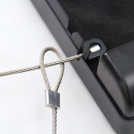 Крепление тросика в корпусе сейфа