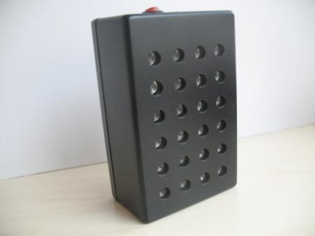 24 ультразвуковых излучателя обеспечивают очень высокую мощность подавителя