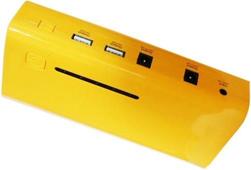 """На боковую панель прибора """"E-POWER-37"""" вынесены разъемы для питания разных устройств и кнопка включения фонаря (нажмите на фото, чтобы увеличить)"""