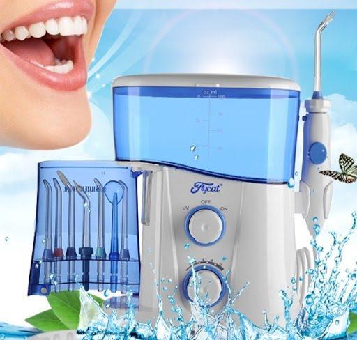 Корпус прибора защищен от проникновения воды