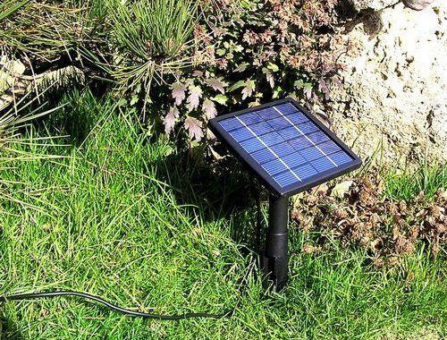 Солнечная батарея обеспечивает работу насоса