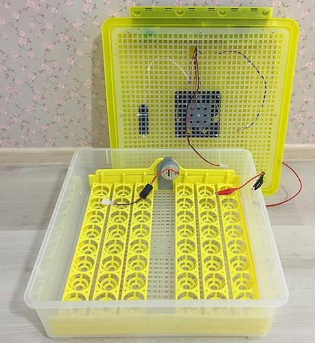 Данная модель имеет 6 рядов по 8 ячеек для размещения яиц (нажмите на фото для увеличения)