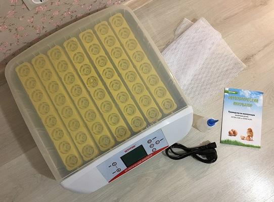 Комплект поставки инкубатора SITITEK 56 LED (нажмите на фото для увеличения)