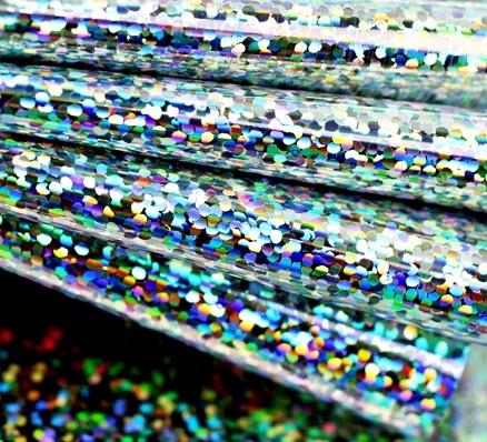 """Голографичский материал ленты """"Irri Tape"""" создает максимум бликов"""