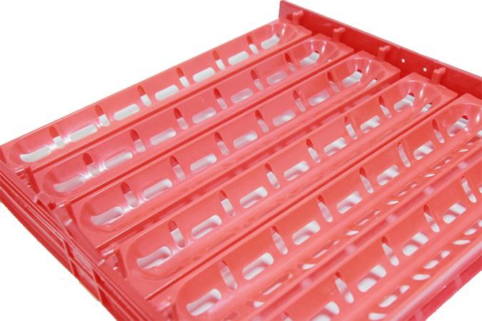 В данном комплекте лотков яйца можно размещать горизонтально для более эффективной выводимости птенцов