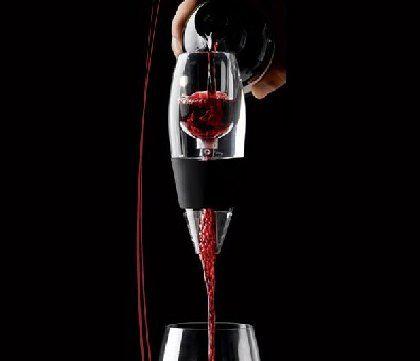 """Вы можете приступать к дегустации вина сразу после наполнения бокала через """"Magic Decanter"""""""