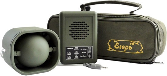 """Электронный манок """"Егерь-5.02ДМ"""" комплектуется внешним динамиком, распространяющим звук на 2 км и эргономичной сумкой для переноски набора"""