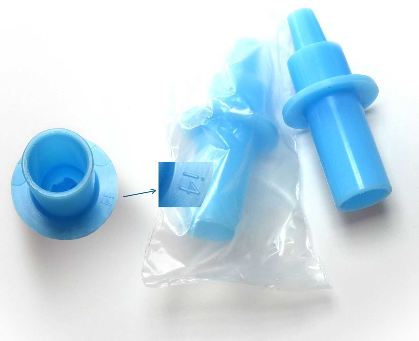 Благодаря особой конструкции мундштук не пропускает внутрь алкотестора частички пищи и слюны