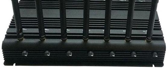 """Каждый передатчик подавителя """"СТРАЖ X14 ПРО"""" оснащен своей антенной и регулятором мощности"""