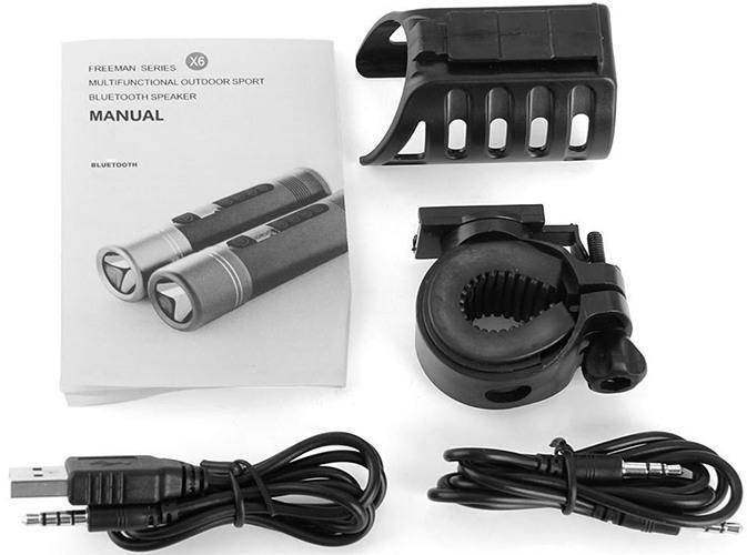 Колонка комплектуется соединительными кабелями и системой креплений на руль (нажмите на фото, чтобы увеличить)