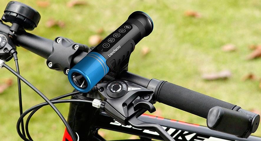 Благодаря особой конструкции крепления, прибор легко устанавливается на руль любого размера (нажмите на фото, чтобы увеличить)