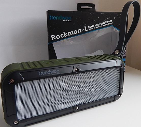 Bluetooth-колонка поставляется в оригинальной блистерной упаковке (нажмите на фото, чтобы увеличить)