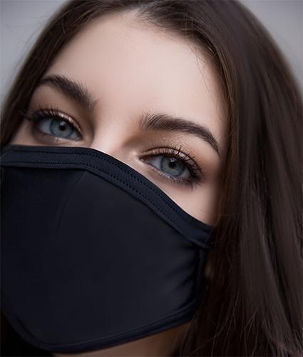 Защитная маска в классическом черном цвете