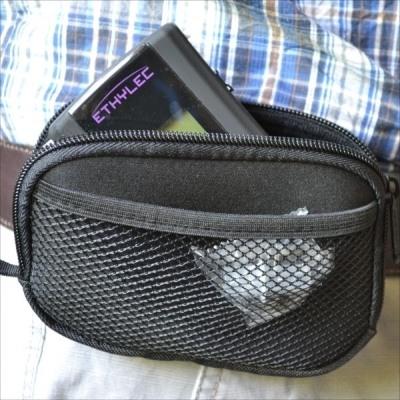 """Алкотестер """"ETHYLEC"""" поставляется с удобной сумкой для транспортировки и хранения"""