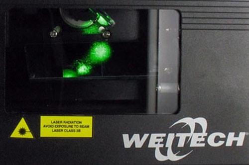 Лазерный излучатель прибора Weitech WK-0062 защищен специальным стеклом
