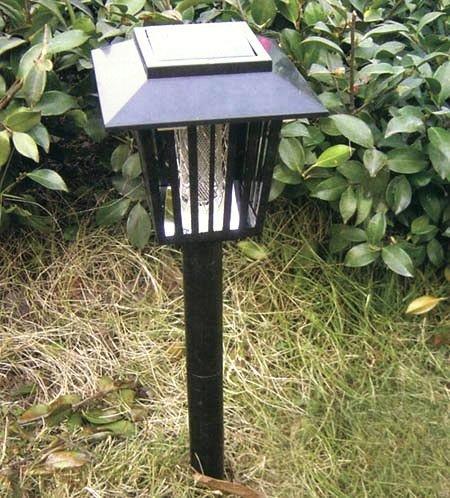 Уничтожитель насекомых Садовый подзаряжается от солнечной батареи